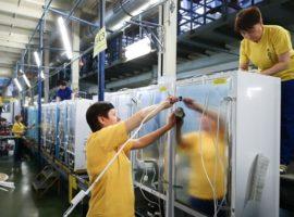 Производители техники пригрозили свернуть работу в России из-за санкций