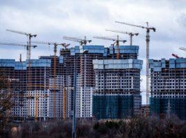 Ввод жилья в России по итогам года отстал от нацпроекта почти на 9%